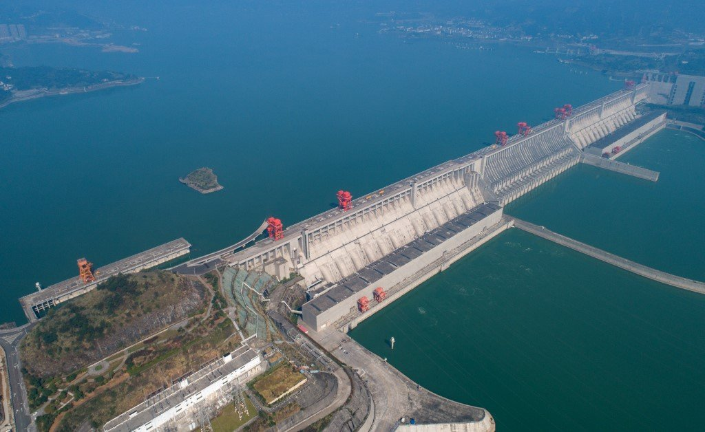 Overlook of the Three Gorges Dam Earth Quake - Environment and Politics